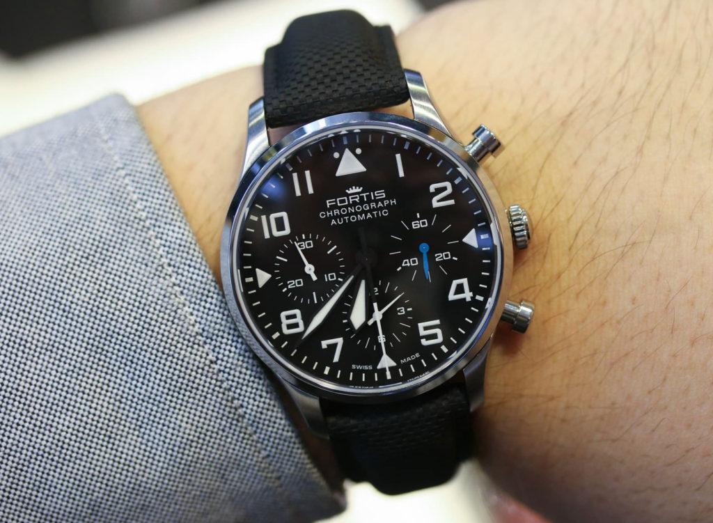 часы Fortis Pilot Classic Chronograph